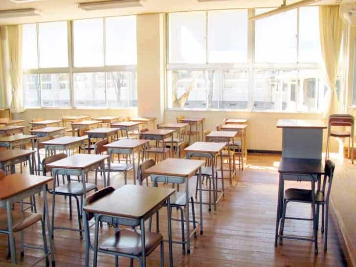 school 教室のエアコン設置問題